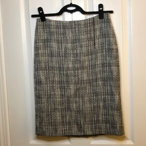 GUC - Talbots Tweed Pencil Skirt - Size 4